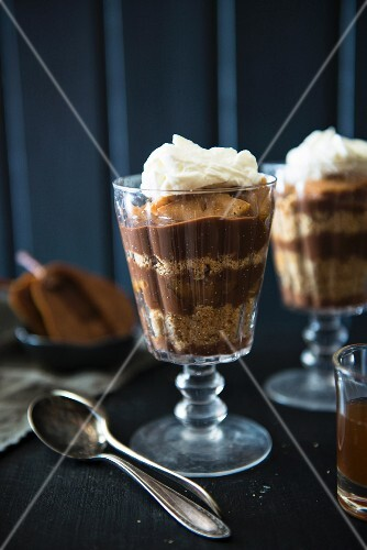 Trifle with chocolate mousse
