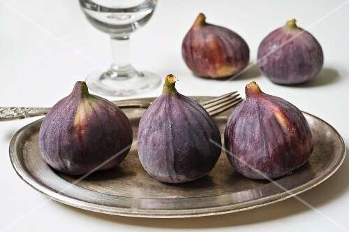 Fresh figs on a silver plate