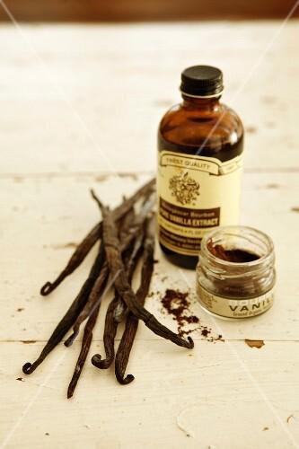 Vanilla pods, vanilla mark and vanilla extract