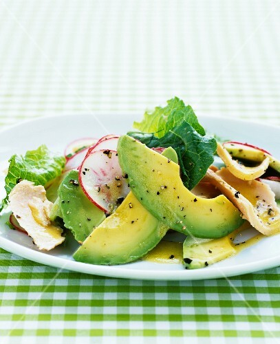 Avocado salad with chicken and radishes