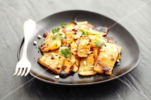 Grilled squash with balsamic vinegar and parsley