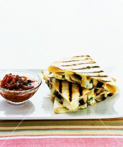 Quesadillas with cheese and mushroom filling