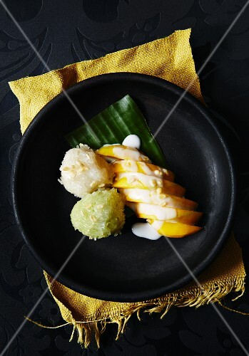 Sticky rice with mango and coconut sauce (Thailand)