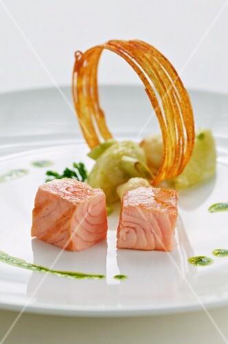 Salmon with cauliflower and potatoes
