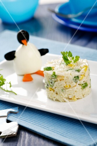 Rice salad with a penguin
