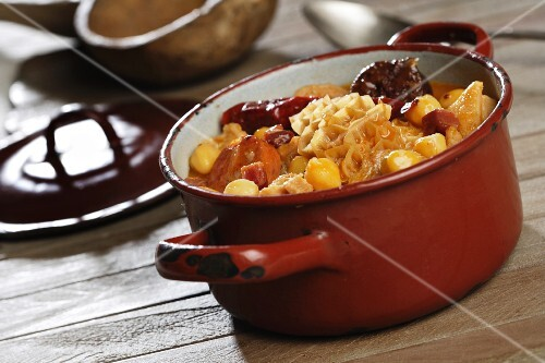 Stew of tripe, chickpeas and chorizo (Spain)