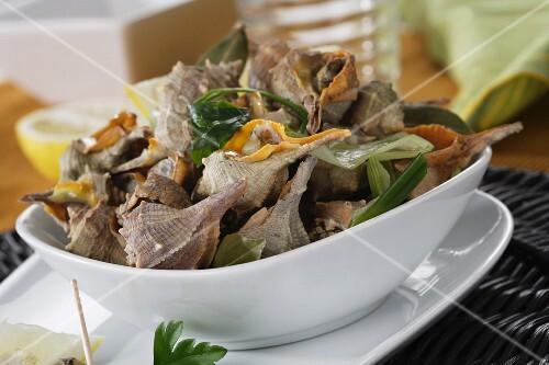 Caracolas de mar cocidas (cooked sea snails, Spain)