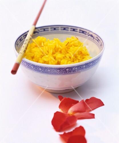 Saffron rice in a porcelain bowl (China)