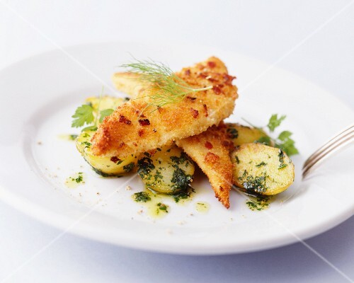 Breaded fish fillets with parsley potatoes