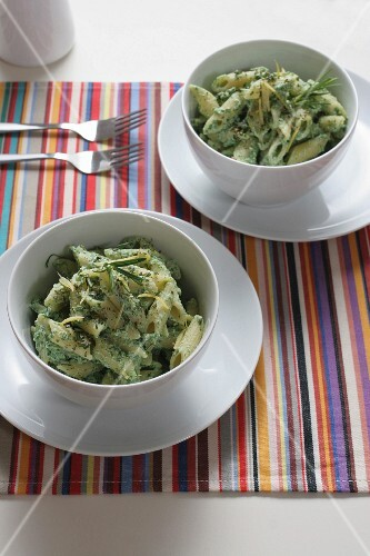 Pennette with creamed spinach, Italy