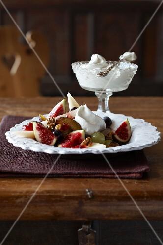 An autumnal fruit salad with cream