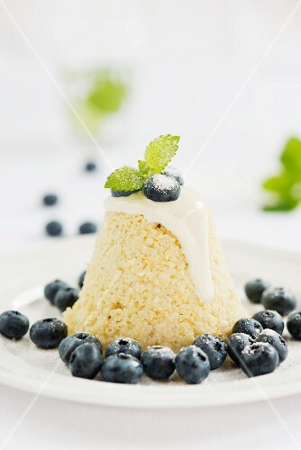 Millet pudding with blueberries