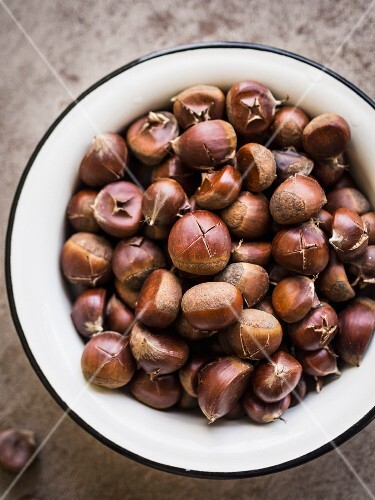 A bowl of roasted chestnuts.