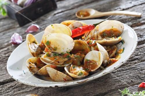 Clams with marinara sauce