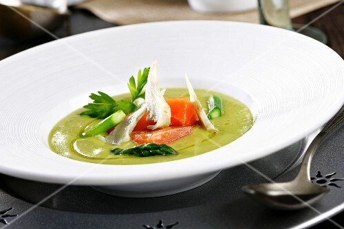 Creamed asparagus soup with salmon