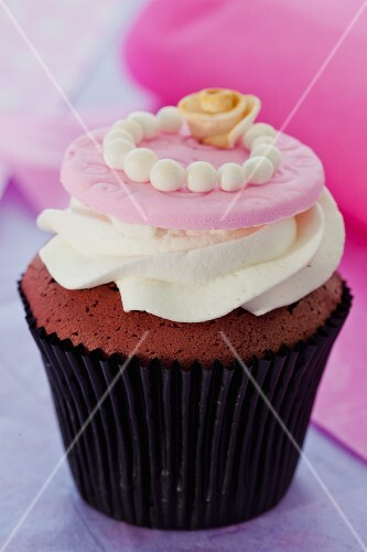 Red Velvet cupcake with cream cheese frosting for a wedding
