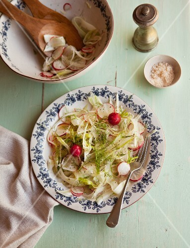 Fennel salad with radishes