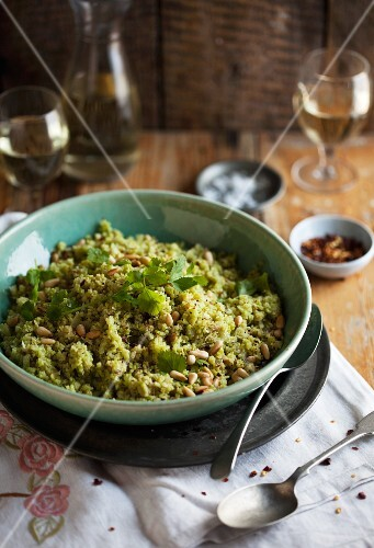 Couscous with cauliflower and pine nuts