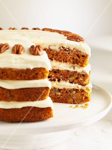Pecan cake with cream cheese topping
