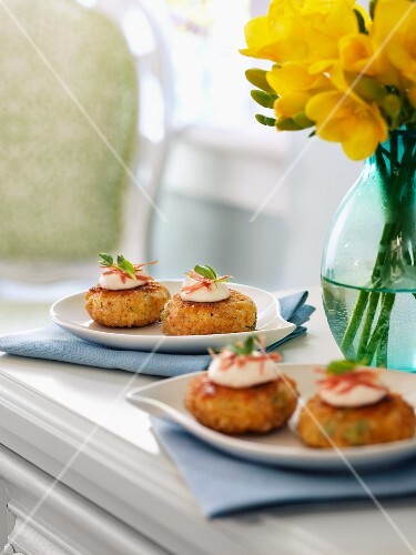 Pea risotto cakes with sour cram