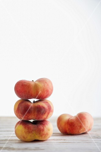 A stack of vineyard peaches