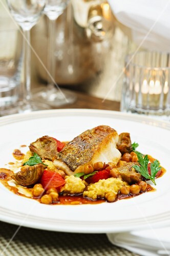 Fish fillet with artichokes and chickpeas