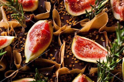 Chocolate orange fudge cakes with fresh figs