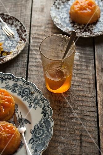 Orange glaze for cakes