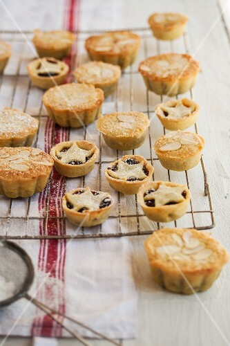Mince pies on a cooling rack for Christmas