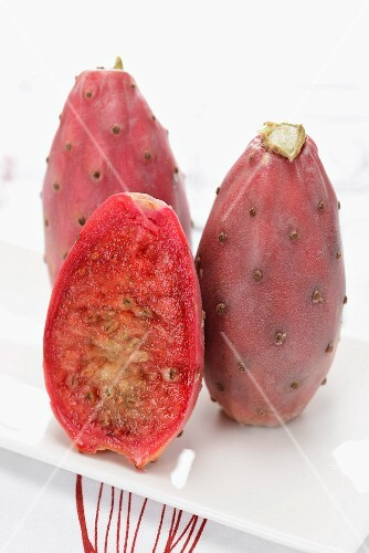 Prickly pears, whole and halved
