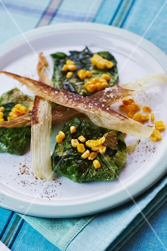 Grilled lettuce wraps with sweetcorn