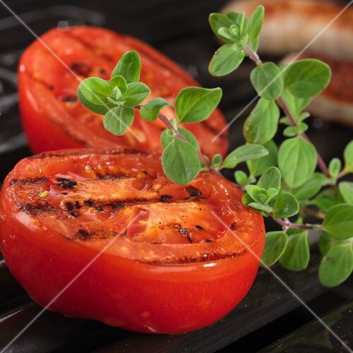 Grilled tomatoes with fresh oregano