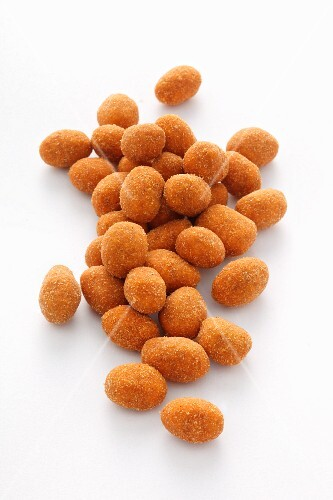Peanuts with a spicy paprika coating