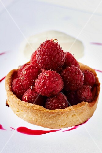Raspberry tartlet with ginger ice cream