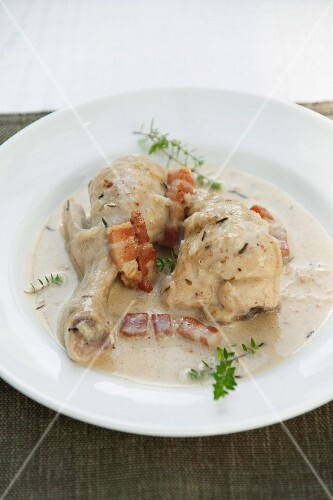 Beer chicken with bacon and thyme
