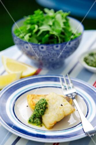 Hake with pesto and a green salad