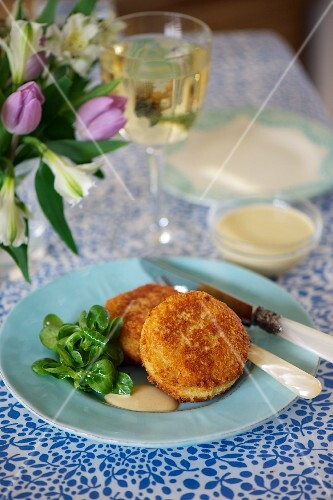 Crab cakes with a sweet mustard sauce