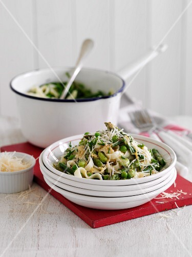 Ribbon pasta with peas, beans and cheese