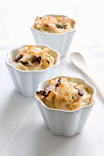 Pasta bakes with olives