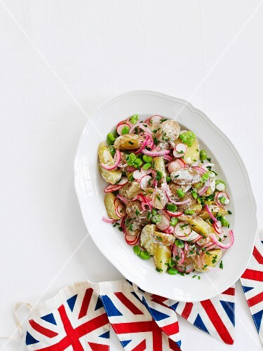 Jersey potato salad with radishes and onions (England)