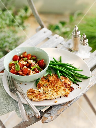 Pork cutlet with tomato-basil salsa and green beans