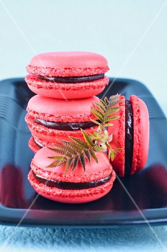 Raspberry macarons with chocolate filling
