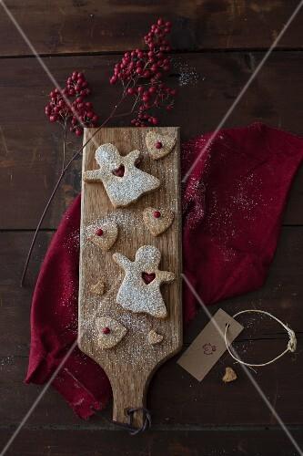 Linzer Cookies with Cranberry Jam