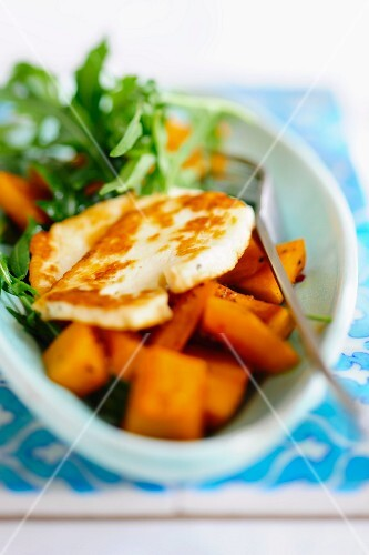 Baked halloumi with squash