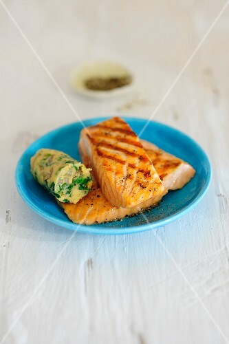Grilled salmon steaks with herb butter