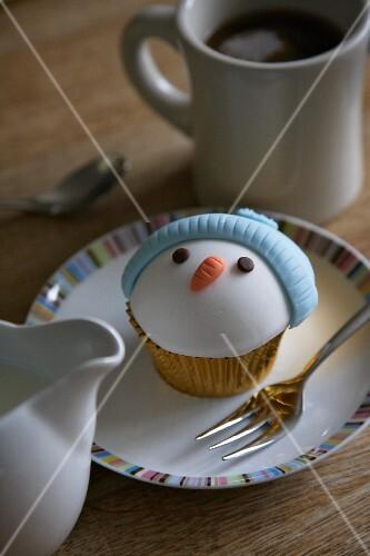 A snowman cupcake for Christmas