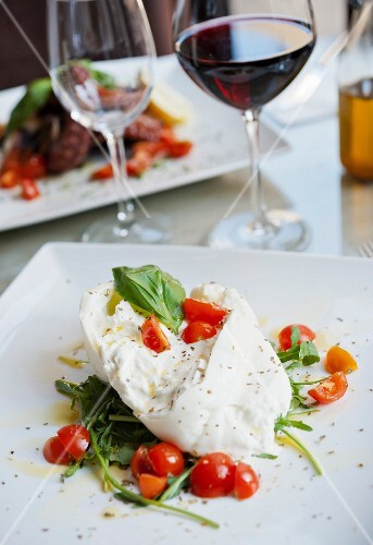 Mozzarella with tomatoes and rocket