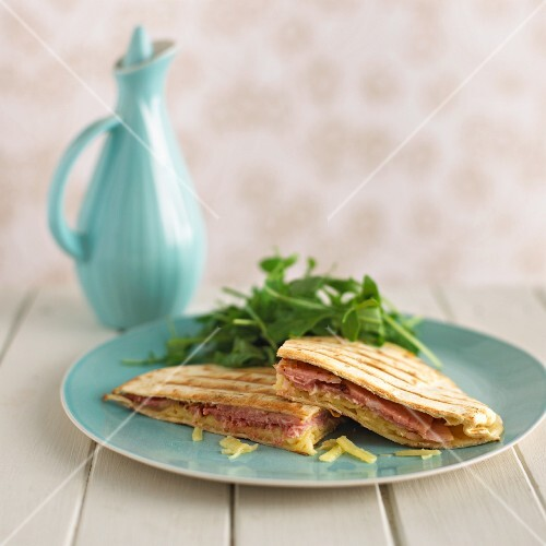 Quesadillas with ham and cheese
