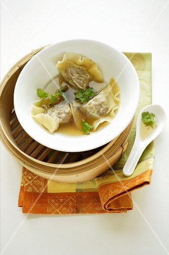 Won tons with duck filling