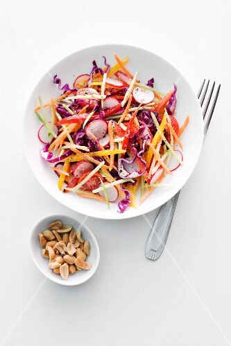Raw vegetable salad with peanuts